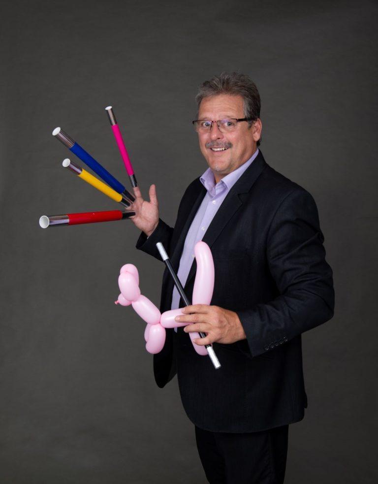 Zauberer Handoni Kindershow Stäbe