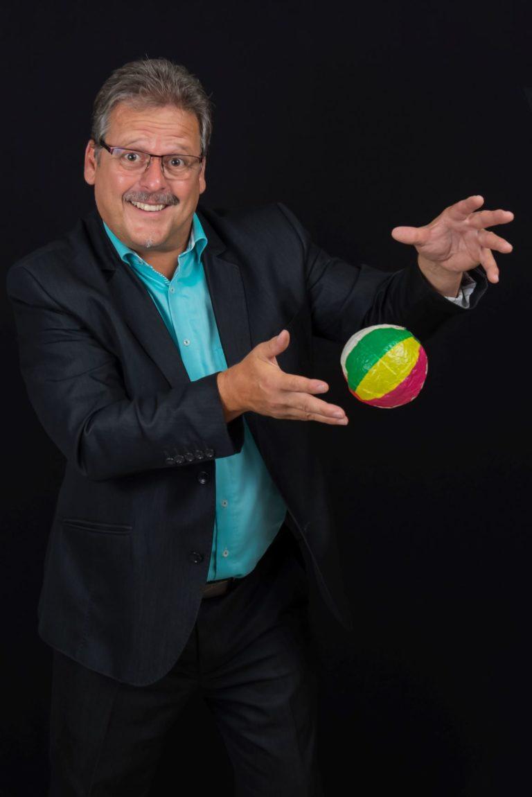 Zauberer Handoni Stand up schwebender Ball